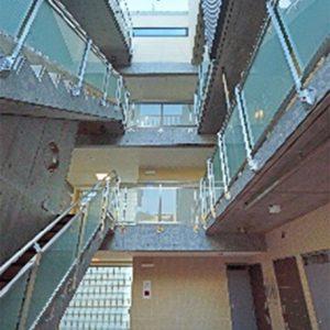 内階段・廊下